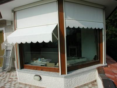 Tende pi tende e verande motorizzazioni veneziane for Arredo terrazze e verande